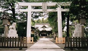 「砂川闘争」のスタートとなった阿豆佐味天神社