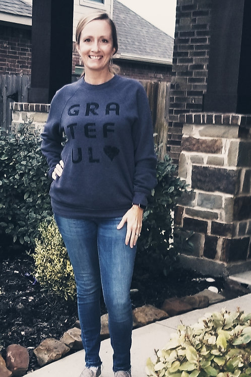 Grateful Heart Pullover {Htr Navy}