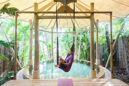 Yoga Arial Malediven