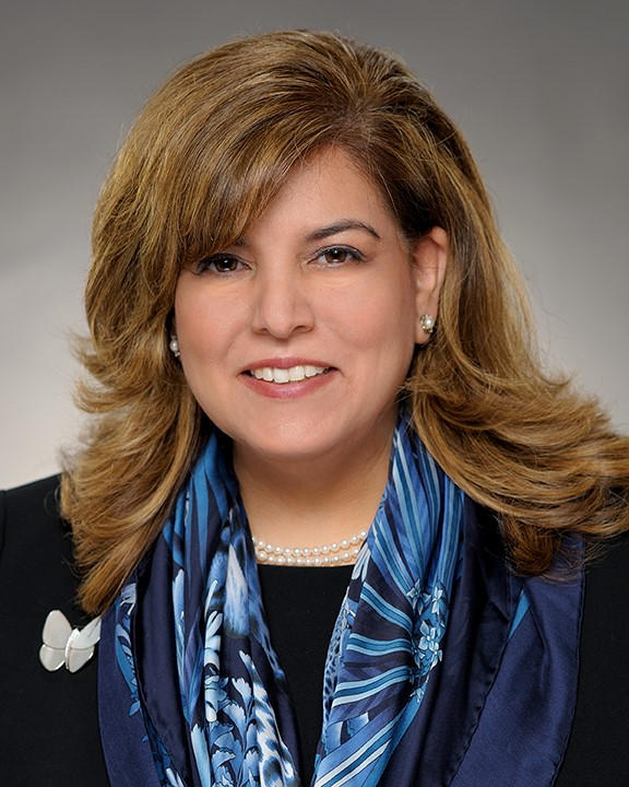 Sylvia Vargas Headshot 2