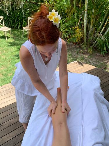 Ayurvédique massage var jambe.jpg