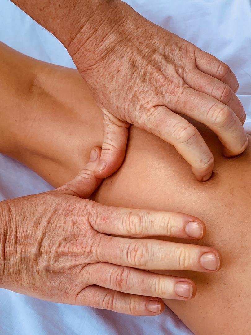 balinais massage Var jambes.jpeg