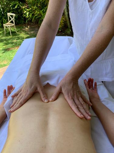 Ayurvédique massage var dos.jpg