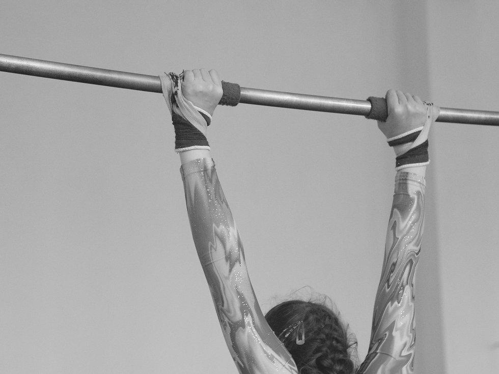 Gymnast%20on%20a%20Bar_edited.jpg
