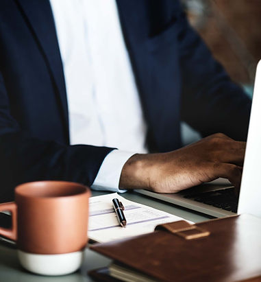 computer-working-man-futurebanker.jpg