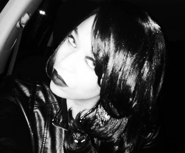 moi black n white.JPG