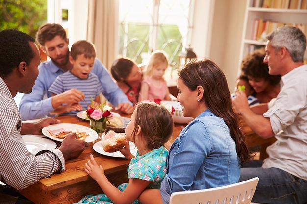 P187_OPN_1_2_3_Family Dinner_iStock_6888
