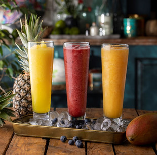 frozenlar ananas-kırmızı meyveler-mango-