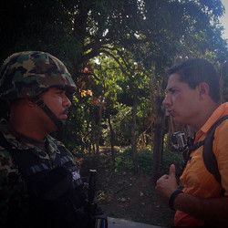 Exagerada presencia de cuerpos de seguridad en #Cocula a diferencia del día en que se hizo hallazgo
