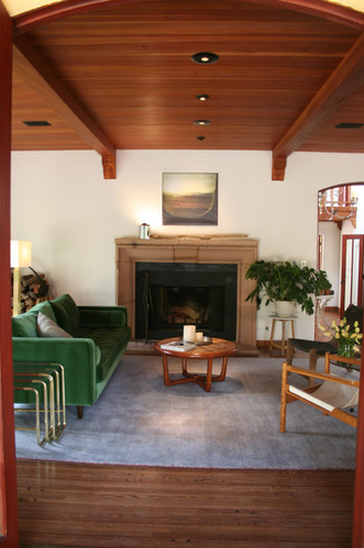 COMMONWEALTH —  renovated & staged