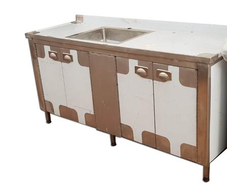 שולחן נירוסטה עם כיור ומגירות