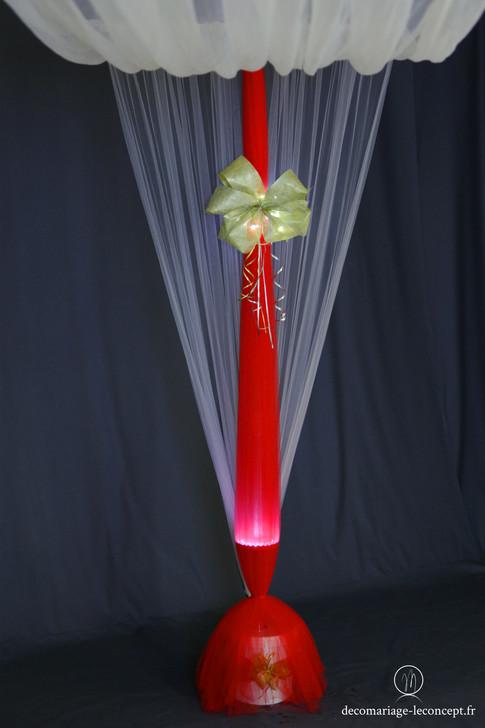 Mat périphérique avec habillage rouge et noeud décoratif Or
