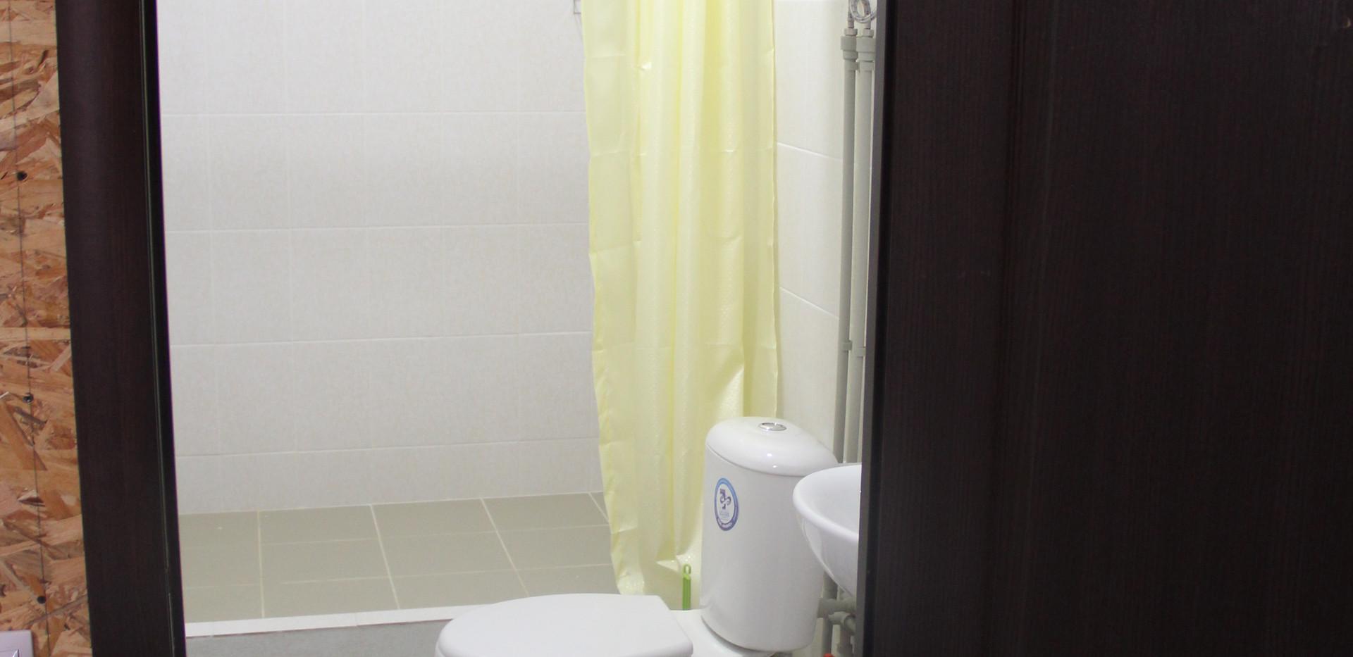 Душ, туалет. холодная, горячая вода