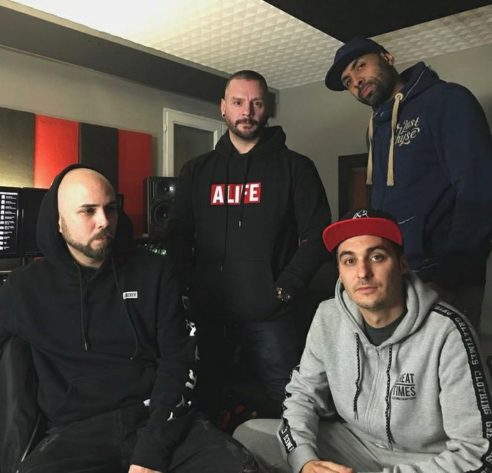 Club 4 se presenta en Medellìn   Revista Noise Armada