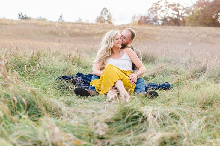 COUPLE'S SESSION | LAKEVILLE, MN