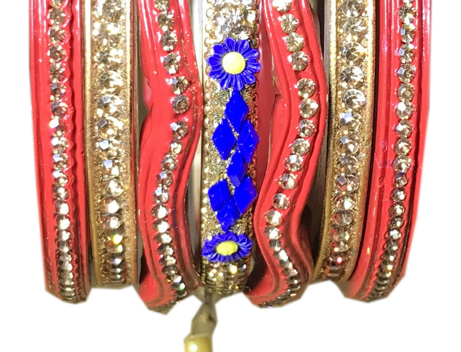 Red Bangal With Gold Platted Lakh Chuda