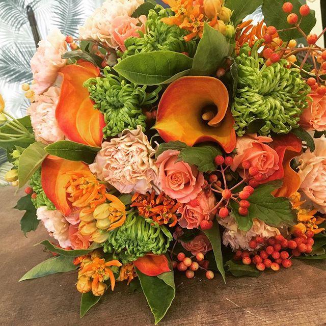 Bouquet coloré avec touches exotiques