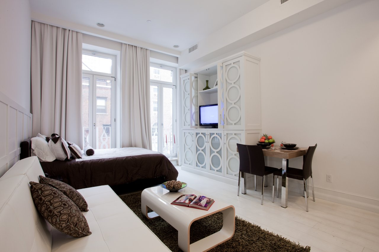 Studio Apartment White Chic