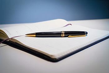 pen-3983595_edited.jpg