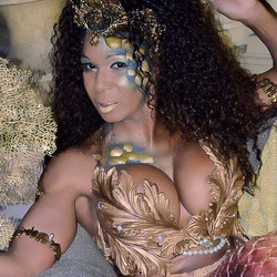 I got to try something different for a mermaid makeup on the lovely Caribbean Pearl at #loj2016