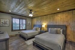 lower bedroom 4 - 1