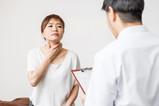 聲音沙啞、音量太小?注意聲帶長繭的警訊,成人可以做「嗓音治療」-思比語言治療所