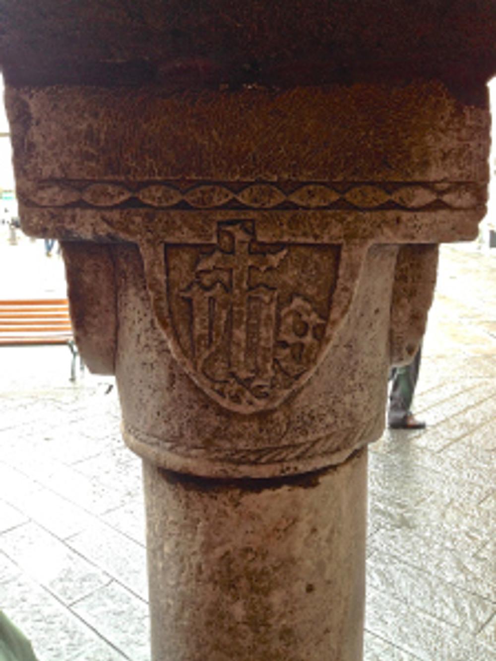 Retro della colonna di Piazza Mazzini (Chiavari)
