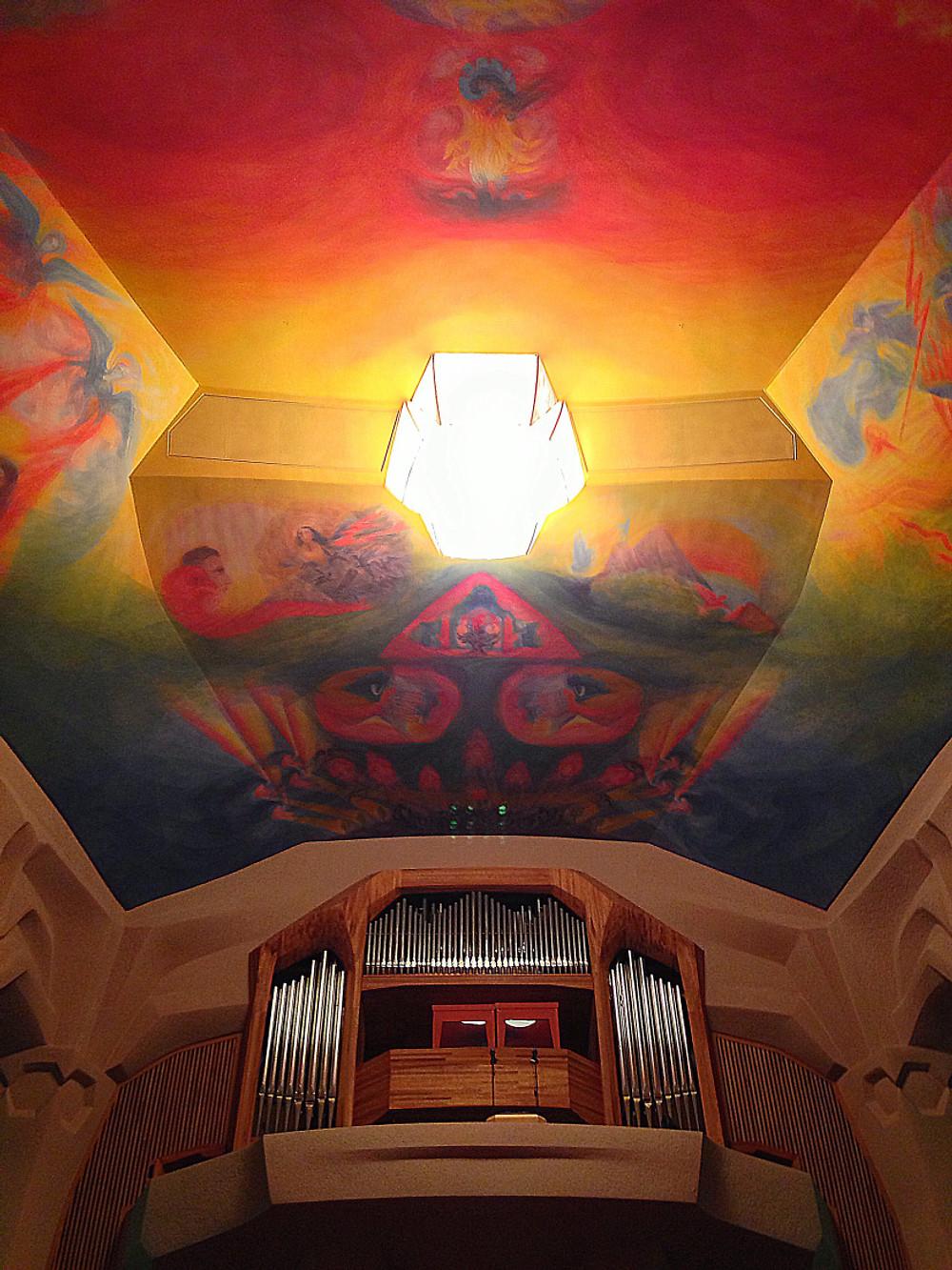 Il soffitto della Sala Grande del secondo Goetheanum.