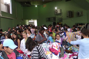 Bazar Beneficente 4.jpg