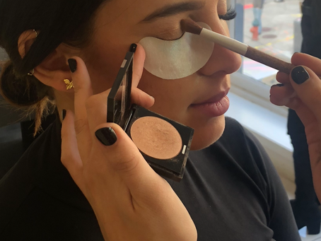 How To: Wear Make-Up With Lash Extensions