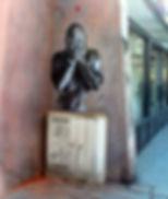 Street Art, buste de Jef Aerosol