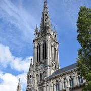 ... la fèche de ND de Lourdes