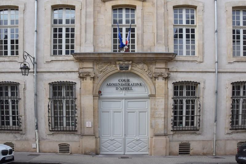 Nancy, arcade de l'Hôtel Fontenoy