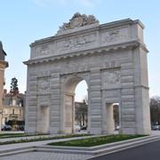 ... les portes Désilles et St-Nicolas