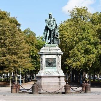 2017/11 : statue du général Drouot