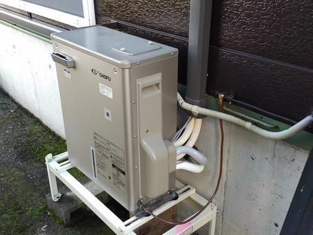 温水ルームヒーター増設工事。