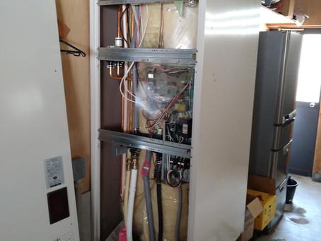電気温水器からエコキュートへ