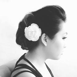 Elegant low do with flower
