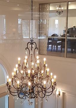24 light Louis style chandelier in Bronz