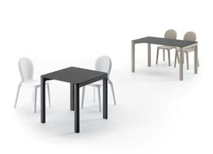 chloé table / 2019