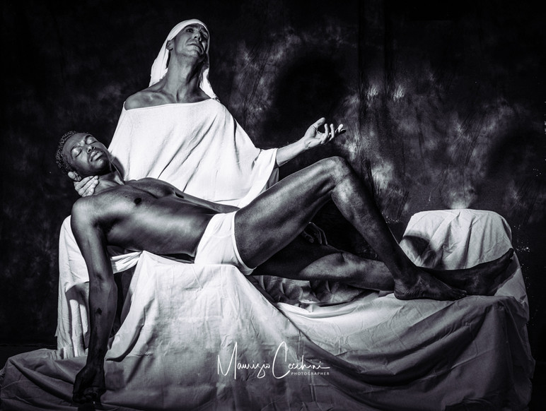 Pieta Michelangelo B&W-2.jpg