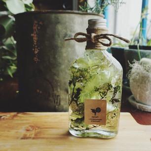 ウィスキー瓶のハーバリウム