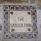 Jerusalem - Garden Tomb, ceramic sign.jp