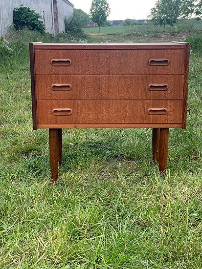 "Teak Side Dresser - ""Hœgr"""