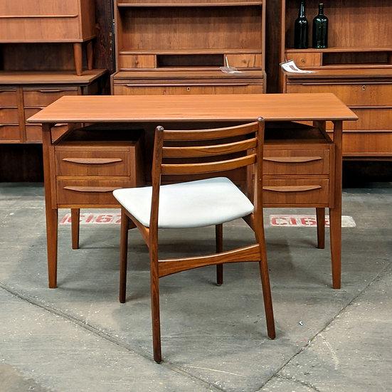 (SOLD) Teak desk with floating top - Per
