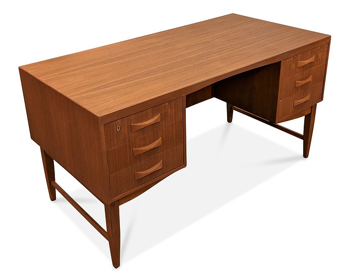 (SOLD) Teak Desk - Oel