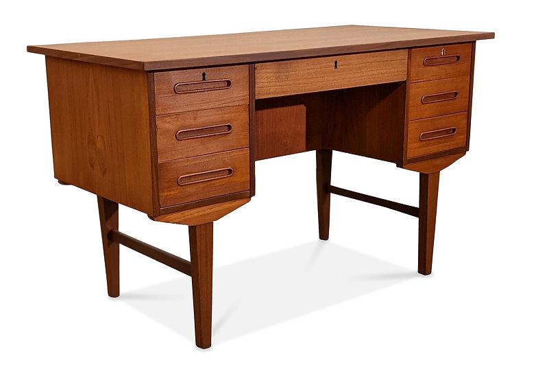 Teak Desk - Billed