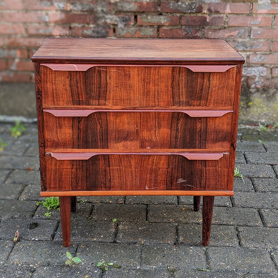 Rosewood Small Dresser  - Syvogtyve