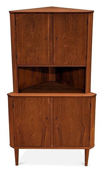 Corner Cabinet - Peder