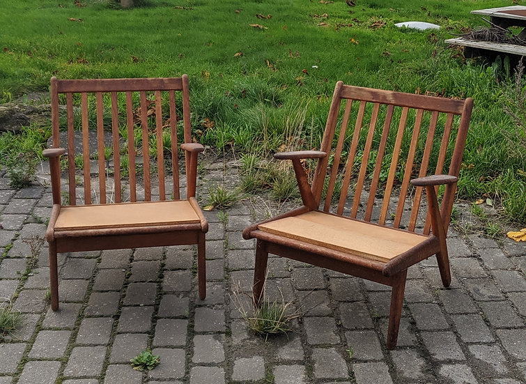 2 FDB Lounge Chairs - Hundredeogtreogfyrre